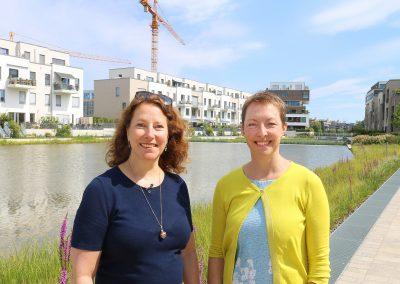 BUWOG Geschäftsführerin Eva Weiss mit Darla Nickel von der Regenwasseragentur. Foto Michael Divé